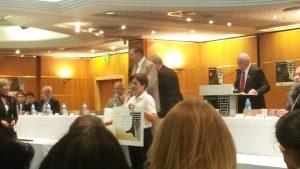 Cécile Pagnon recevant la médaille d'or pour son Pilulier Pilleasy au Concours Lépine 2016