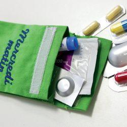 Pilulier Pilleasy Tonique : une pochette dose de grande 8 X 6 cm . Elle favorise positivement la psychologie du malade.