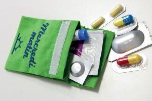 Pilulier Pilleasy Tonique : une pochette dose de grande 8 X 6 cm